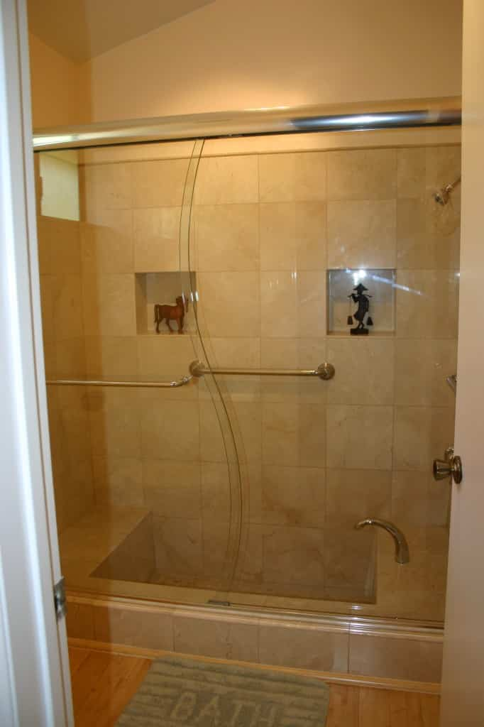 Custom Framed Shower and Bath Doors : bath doors - pezcame.com